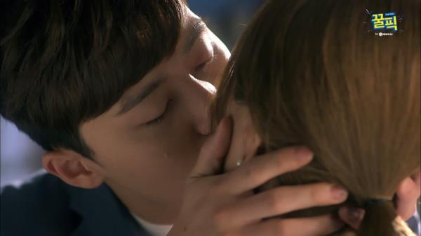 [윤식당2 막내] 박서준, 엄정화에 고백+키스했던 그 장면(ft.윤현민)