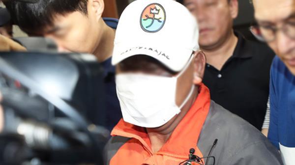 """""""술값 비싸 홧김에""""…33명 사상자 낸 군산 화재 방화범 검거"""