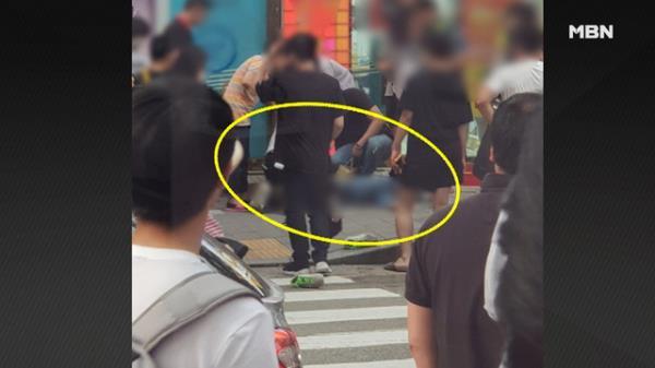 '길 가다 날벼락' 지나던 행인 덮친 15층 투신 여성