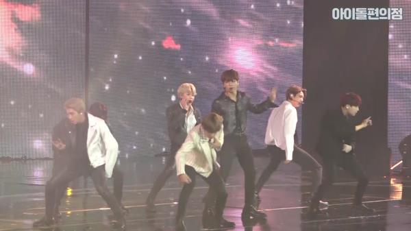 [직캠] 세계 최고의 아이돌 방탄소년단의 'Save Me'