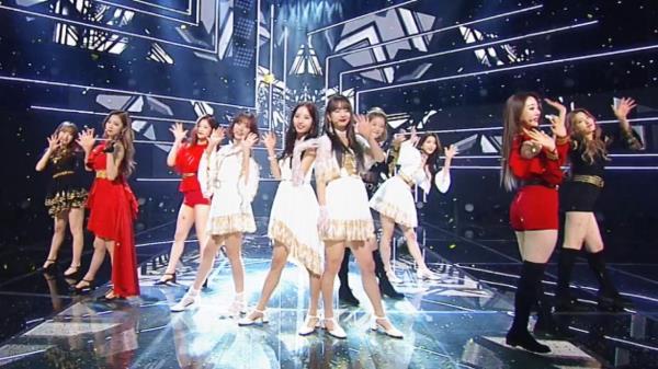 탈 지구급 비주얼 '우주소녀'의 아쉬운 굿바이 무대 'La La Love'
