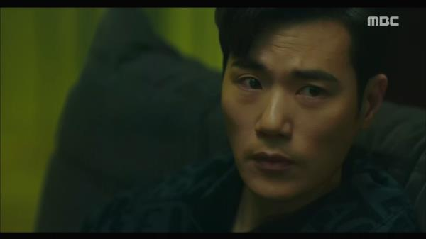 """""""원샷 원킬 몰라요?"""" 부하 직원을 때리는 김강우"""