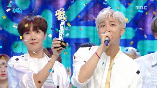 4월 3주차 1위 '방탄소년단 - 작은 것들을 위한 시(BTS  - Boy With Luv)'