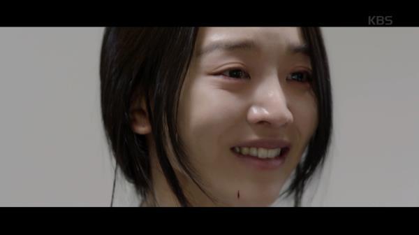 [소름연기..] 차 사고로 죽은 아저씨의 바람대로 영정사진 앞에서 웃는 신혜선..