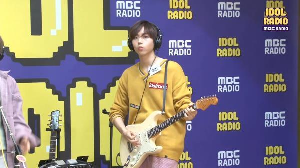 "[IDOL RADIO] 디코이가 부르는 ""불티 (태연)""♪♬"