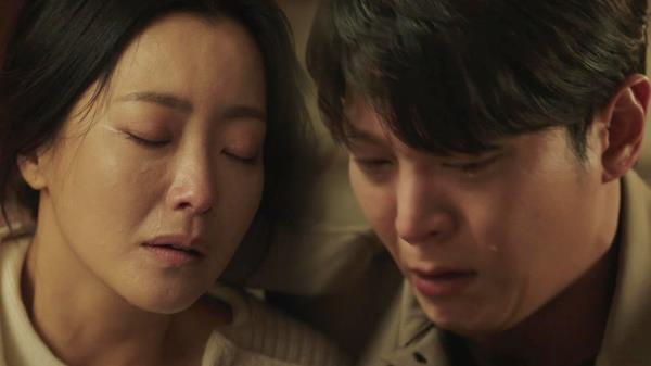 """""""엄마 아들로 태어나게 해서 미안해"""" 김희선, 주원과 마지막 이별"""