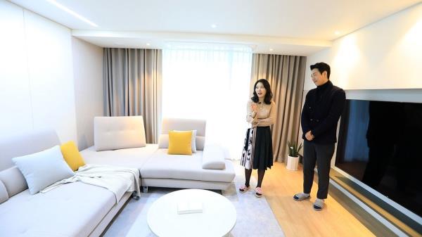 노후 아파트의 구조가 단 1도 없는 완전 넓어 보이는 거실의 화려한 변신