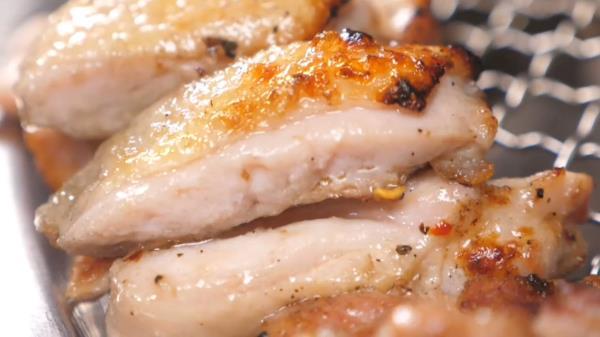 철판×숯불 한 번에 즐기는 불 맛 가득 닭갈비!